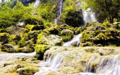 Air Terjun Sri Gethuk: Pesona Ngarai Berselimutkan Eksotisnya Tebing Karst